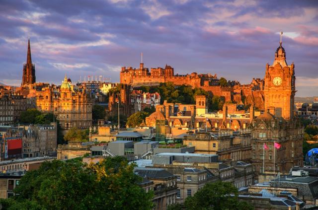 Fly and Sleep Edinburgh - Learmounth