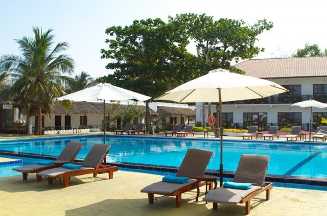 Amaan Bungalows Beach Resort