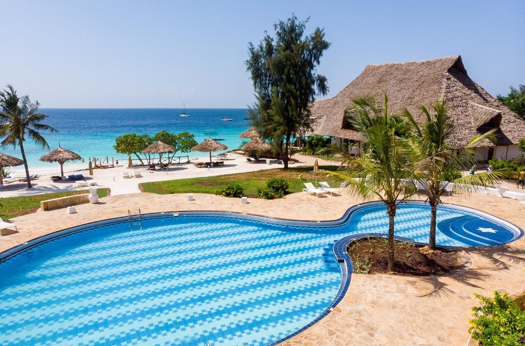 SANDIES BAOBAB BEACH