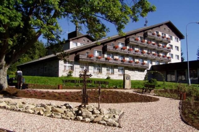 Seniorský (55+) pobyt (5 nocí) v hotelu Srní a depandanci Srní