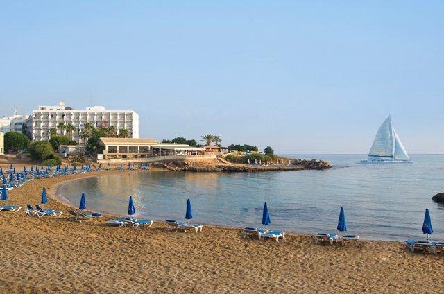 Pernera Beach Club