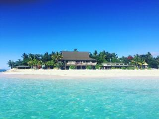 Beachcomber Island Resor