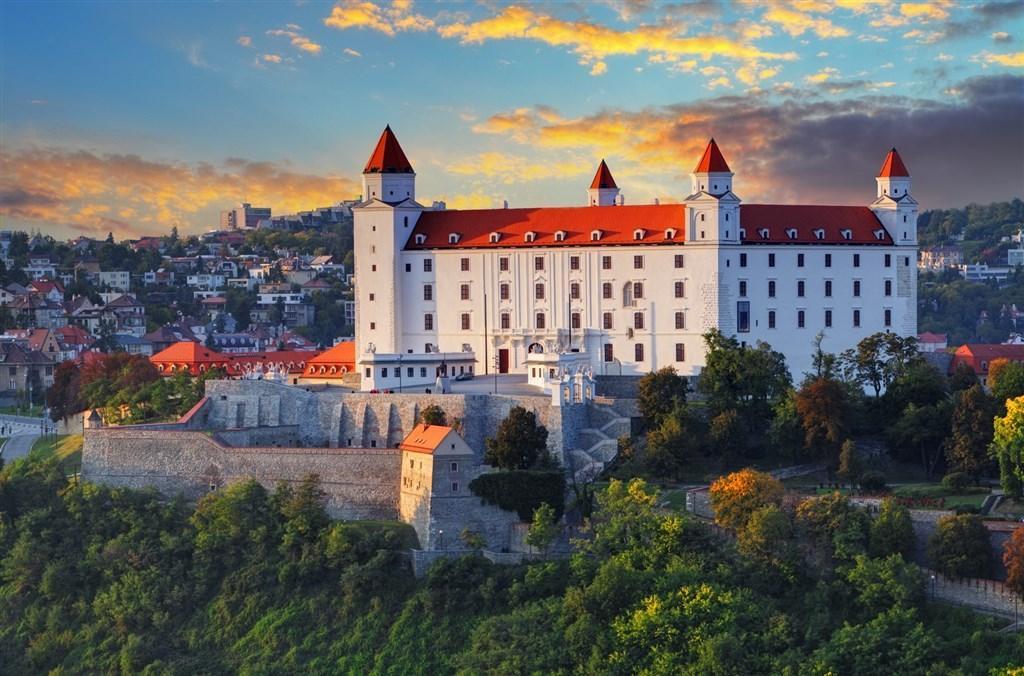 Bratislava - Vídeň - Budapešť, plavba lodí po Dunaji do Vídně