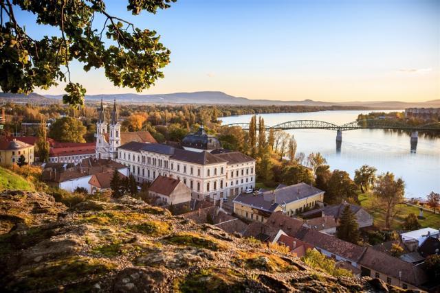 Bratislava, Ostřihom, Gabčíkovo, plavba po Dunaji a termály