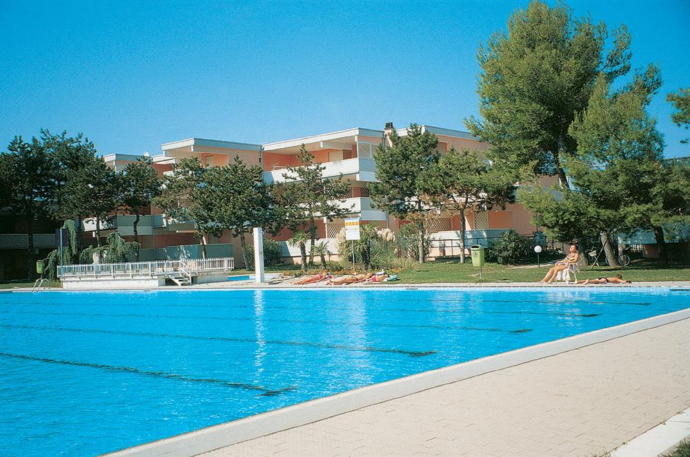 Res. komplexy s bazénem - VO