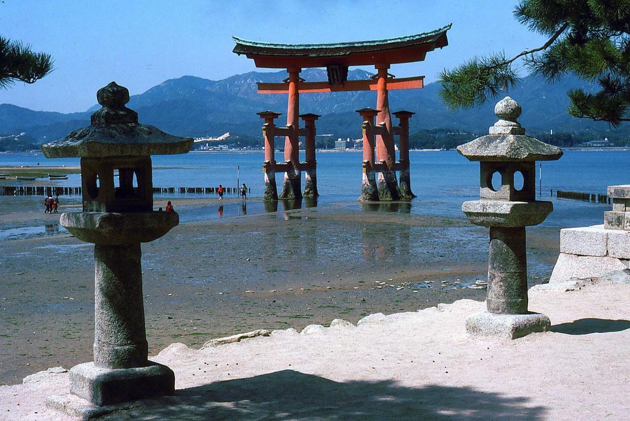 JAPONSKO – ostrovy HONŠÚ, ŠIKOKU, KJÚŠÚ