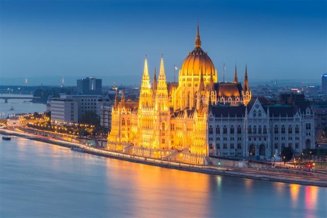 Bratislava,  Budapešť- metropole na Dunaji a termály Velký Meder