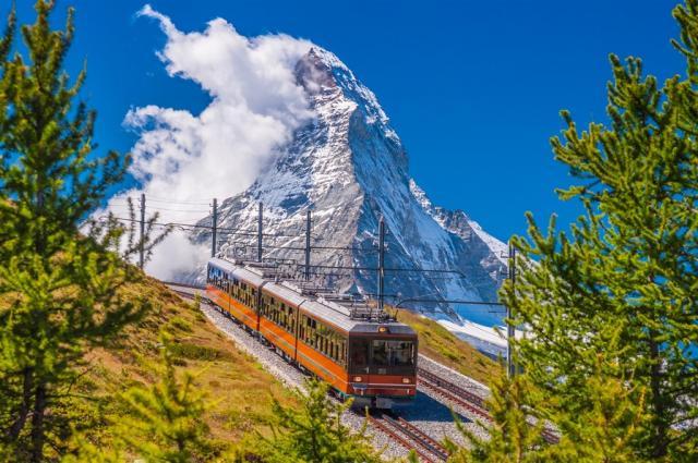 Matterhorn, Aletschský ledovec, Ticino, horské scenérie, vláčky a vůně středomoří