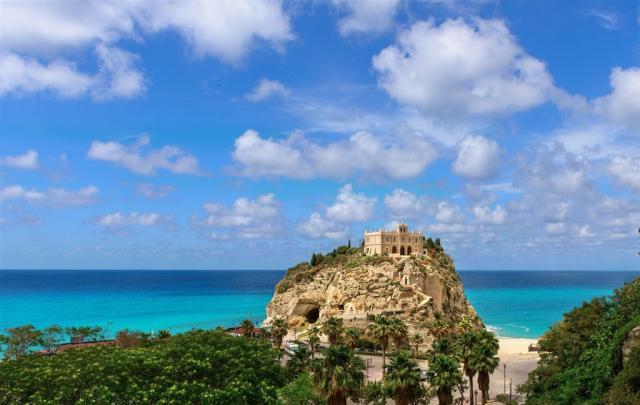 Apulie, Basilicata, Kalábrie - podpatek a špička italské boty Stromboli