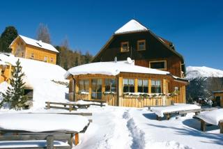 Chaletové vesnice Turracher Höhe a Almhütten Sonnleitn