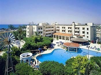 Crown Resort Henipa - Kypr nejen pro seniory