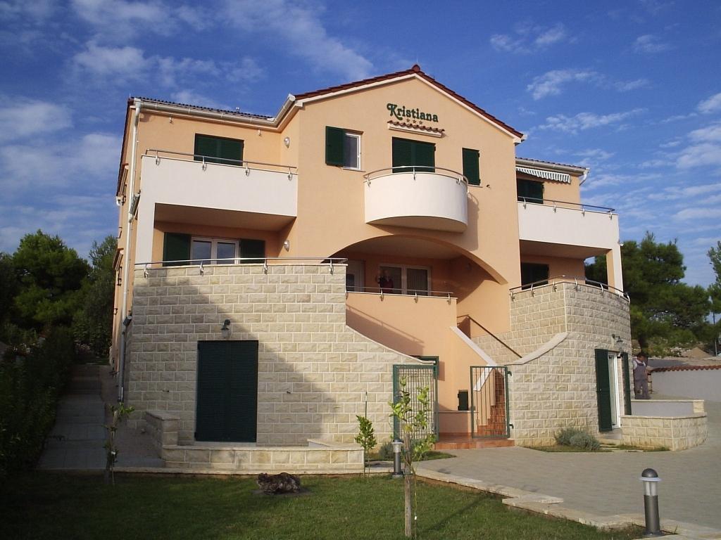 Villa Kristiana 4