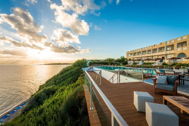 Hotel & bungalovy Niforeika Beach