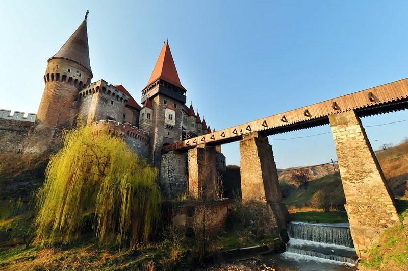 Rumunsko - Transylvánie, hrad Drakuly i Ceausescův