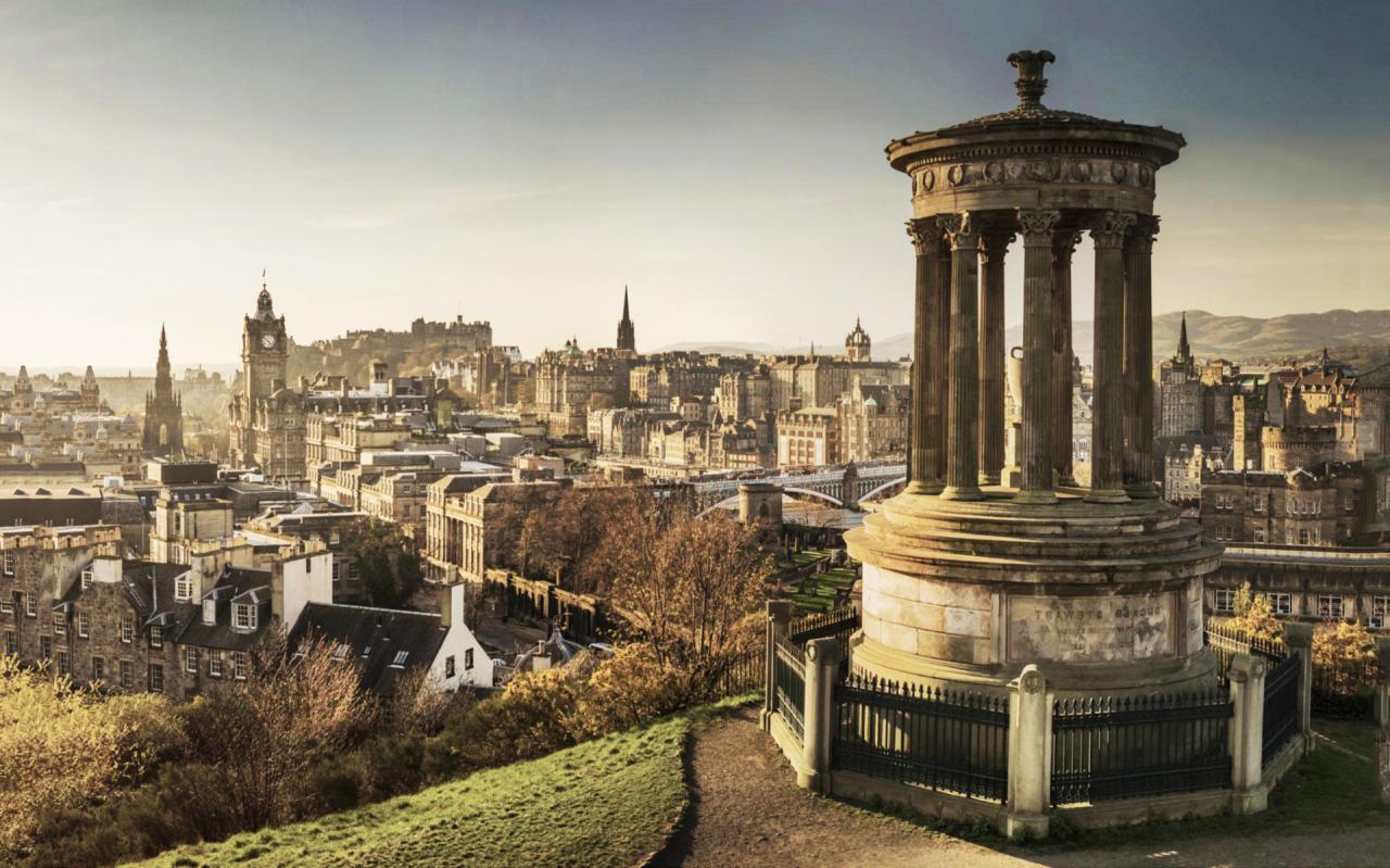 Skotsko - Edinburgh s průvodcem
