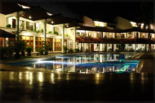 PALM BEACH HOTEL2**+ (PLNÁPENZE)