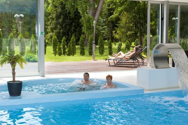 Hotel Park, Piešťany, Slovensko: Rekreační pobyt pro seniory 5 nocí