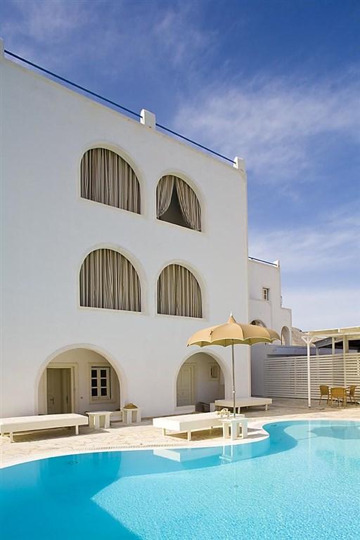 Anemos Beach Lounge and Meduse