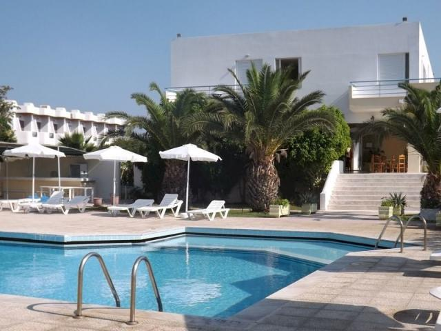 Studia & Hotel Leonidas