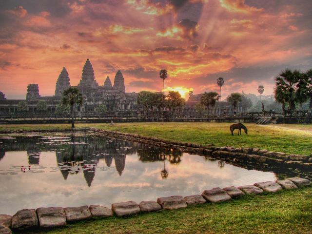 Tisíce let staré chrámy Angkoru v Kambodži s pobytem na ostrově Koh Chang v Thajsku