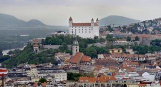 Bratislava s výletem lodí na Děvín