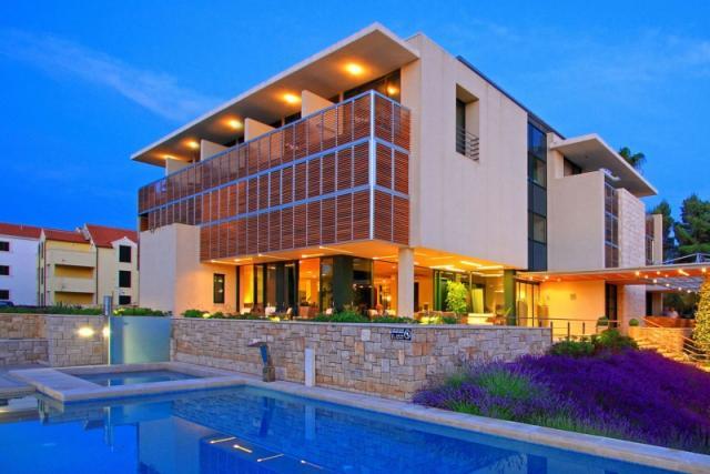 Velaris Resort