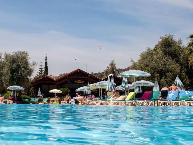Sun City Hotel & Beach Club