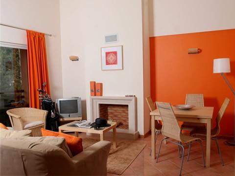 Aroeira Apartments