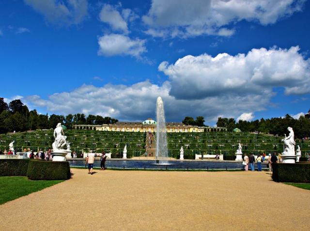 Berlín, Postupim a zámek Sanssouci