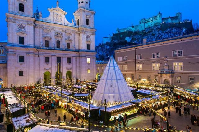 Salzburg – vánoční trhy a průvod čertů
