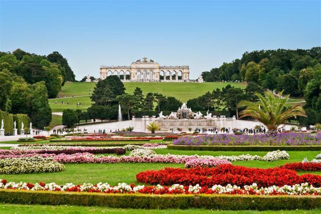 Májový koncert Vídeňské filharmonie v Schönbrunnu - vstup zdarma