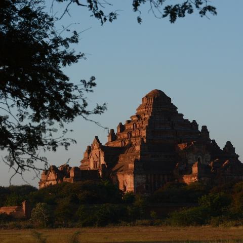 Barma - poznávací zájezd Barma (Myanmar) s koupáním na Ngapali
