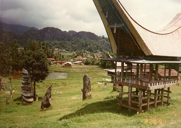 Poznávací zájezd Indonésie - Za lidmi, co přišli z hvězd