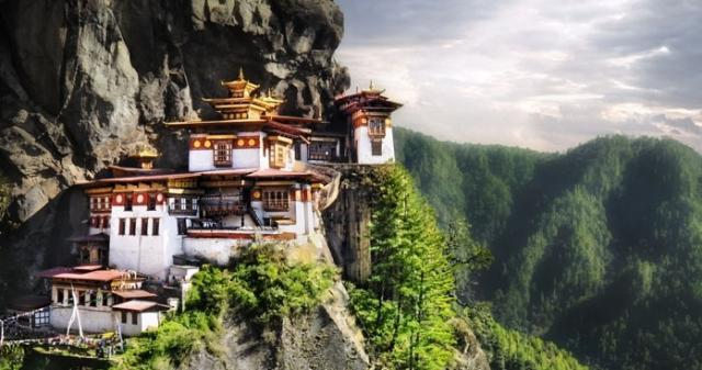 Festival v Bhútánu a Nepál s českým průvodcem