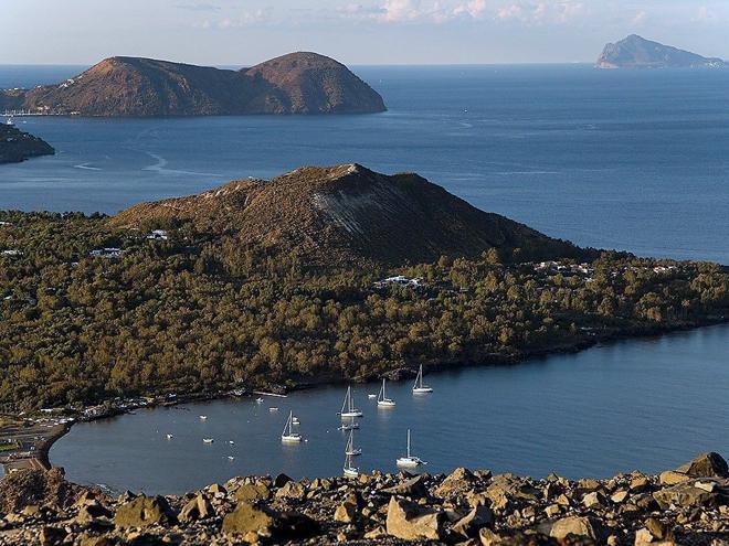 Sicílie a Liparské ostrovy - činné sopky, antické i arabsko-normanské památky, hory a moře