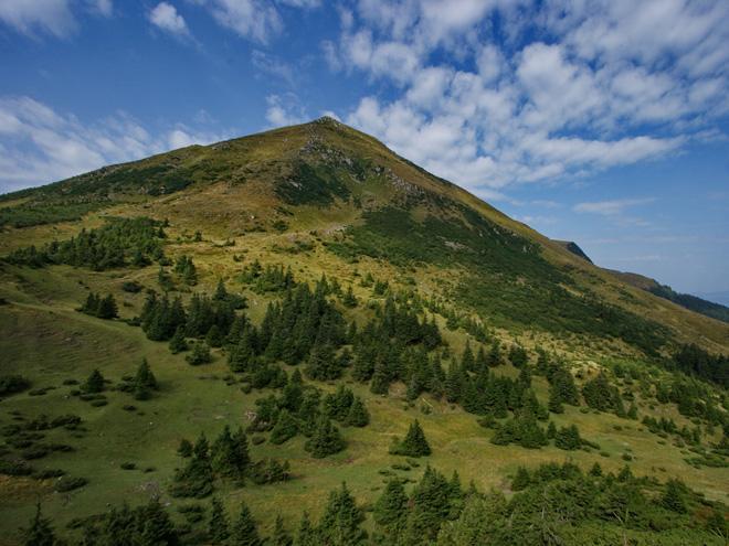 Zakarpatská Ukrajina - Podkarpatská Rus - hory, poloniny a Nikola Šuhaj