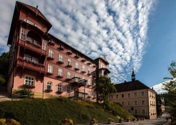 Lázeňský pobyt nejen pro seniory - Lázeňský hotel (Kurhotel, Spa Hotel) Terra