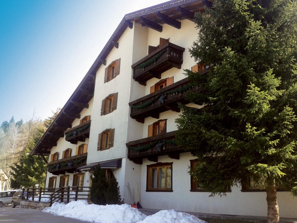 ITÁLIE – FOLGARIA 2017  – HOTEL LARES