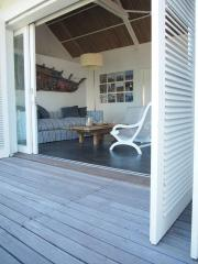 Kombinace Hibiscus a Bakwa Lodge