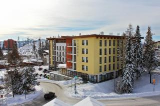 hotel-crocus-1437731403-1588513917-main.jpg