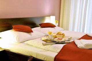 hotel-crocus-1437731403-1588513917.jpg