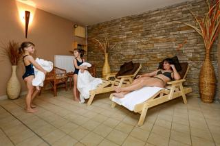 hotel-crocus-609249036-1563558594.jpg