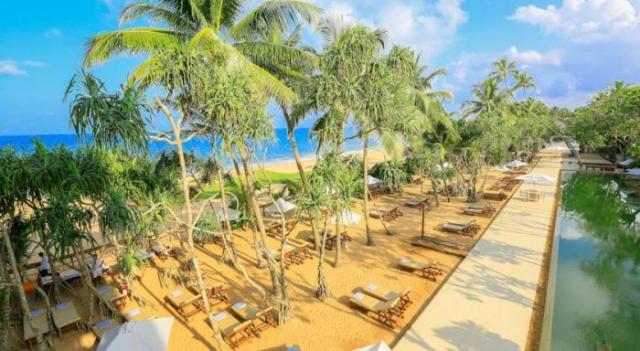 Pandanus Beach Resort & Spa