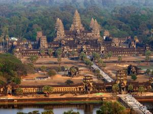 Exotický ostrov Koh Chang v Thajsku a slavný Angkor Wat