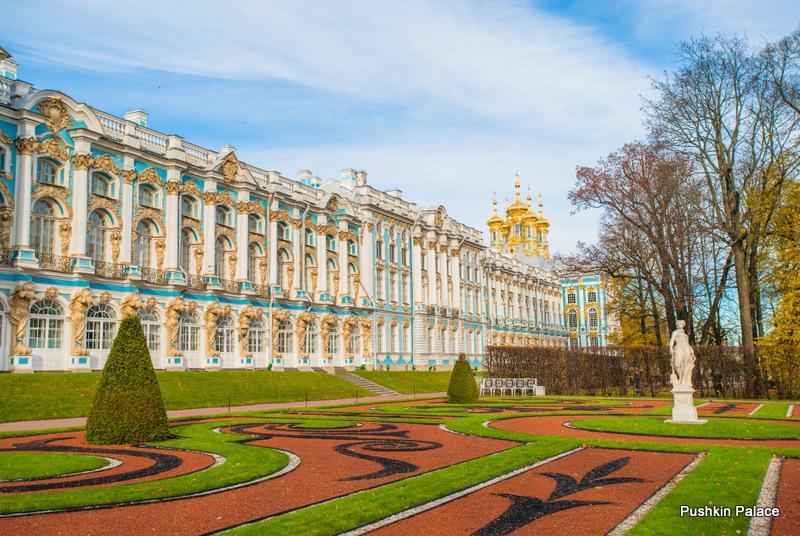 Petrohrad (Puškin + Pavlovsk, Ermitáž, Petropavlovská pevnost, okružní jízda)