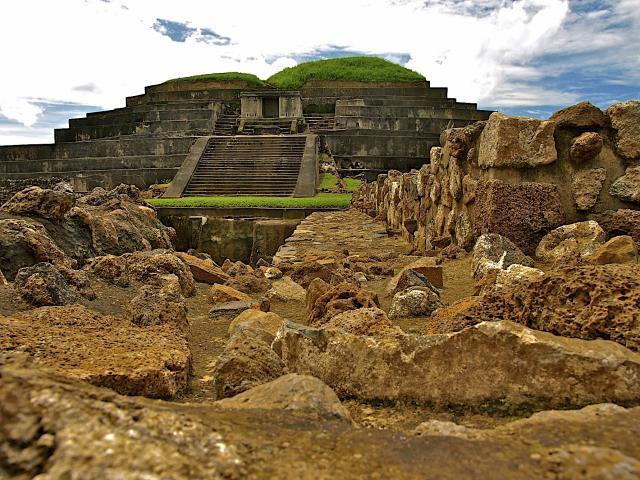 El Salvador a říše Mayů