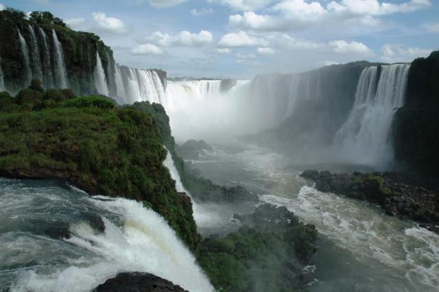 Okruh Argentinou a Brazilií