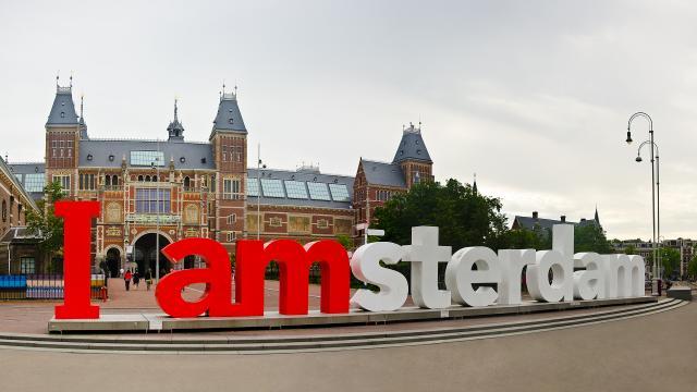 Holandsko - delfinárium, větrné mlýny, Amsterdam