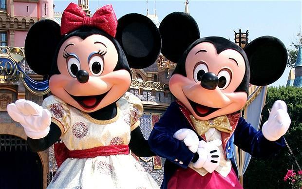 Disneyland ve Francii s fotopauzou u Eiffelovy věže