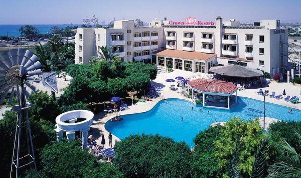 Crown Resort Henipa